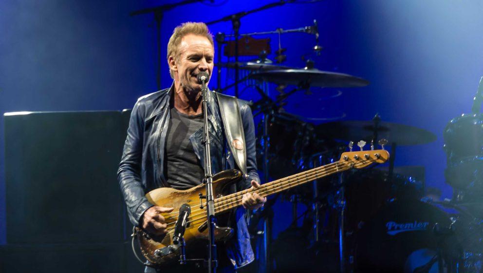 Sting während eines Konzerts mit Peter Gabriel (2016)