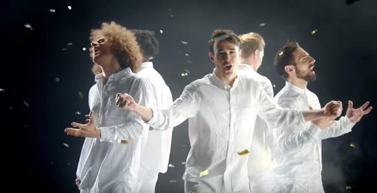 """Szene aus dem Video zu """"We Are The Boys"""" von der so genannten Boygroup Boys"""