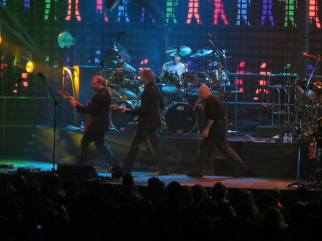 2369_-_Philadelphia_-_Wachovia_Center_-_Genesis_-_I_Can't_Dance