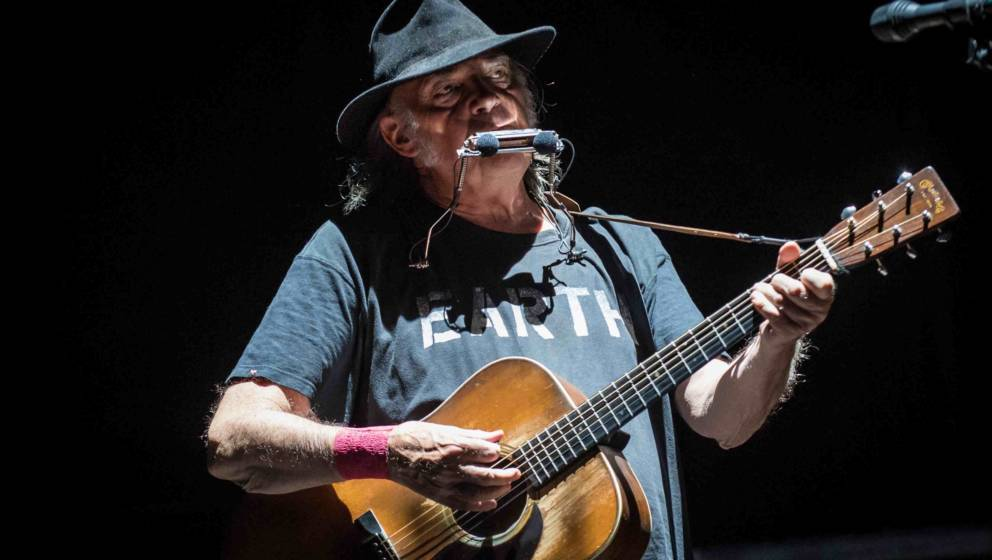 MILAN, ITALY - JULY 18:  Neil Young performs at Market Sound In Milan on July 18, 2016 in Milan, Italy.  (Photo by Francesco