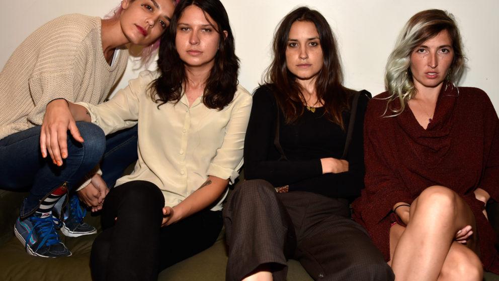 Jenny Lee Lindberg, Stella Mozgawa, Theresa Wayman und Emily Kokal testen neue musikalische Wege