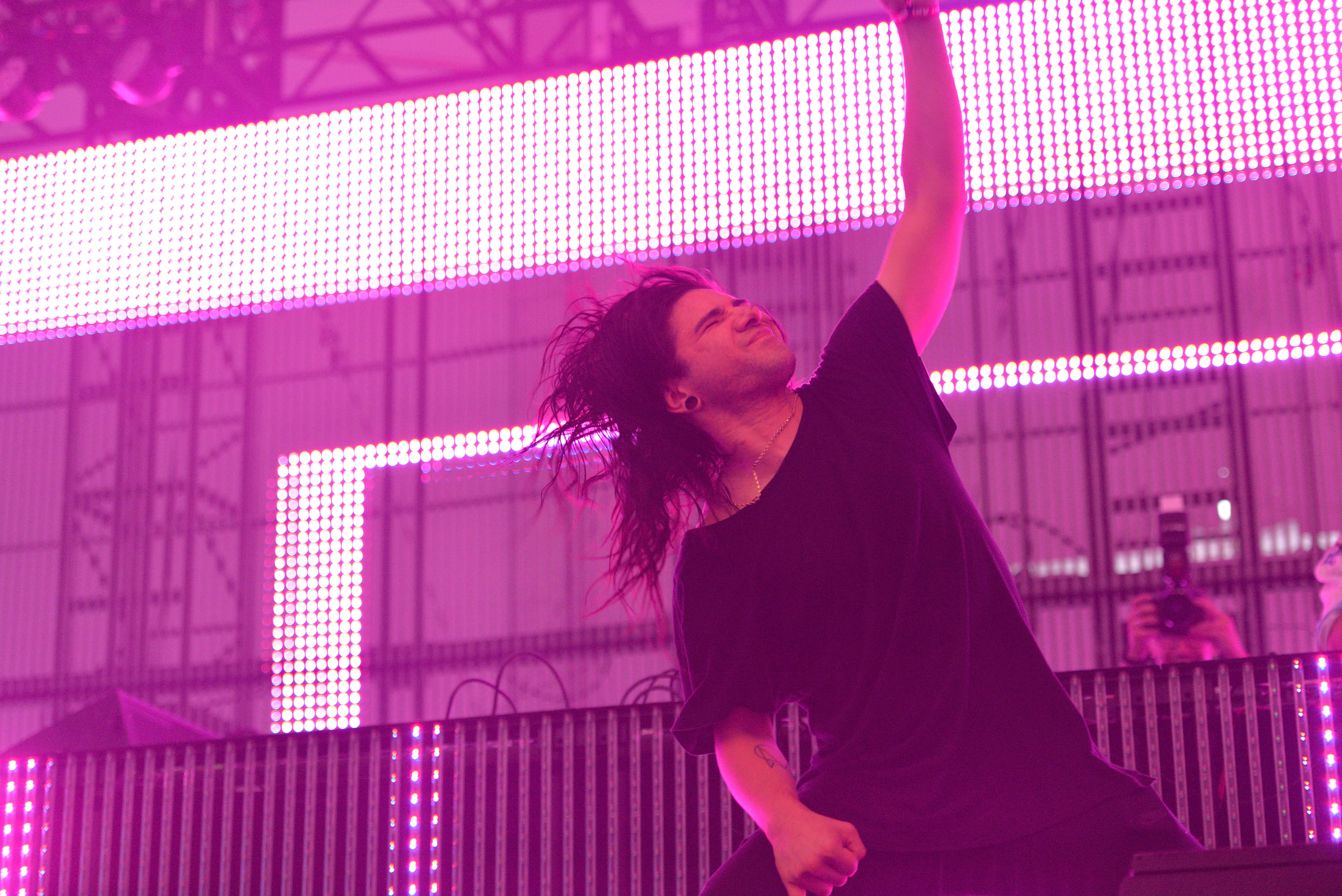 FONTANA, CA - JULY 30:  Electronic music artist Skrillex performs during the Hard Summer Music Festival 2016 at Auto Club Spe