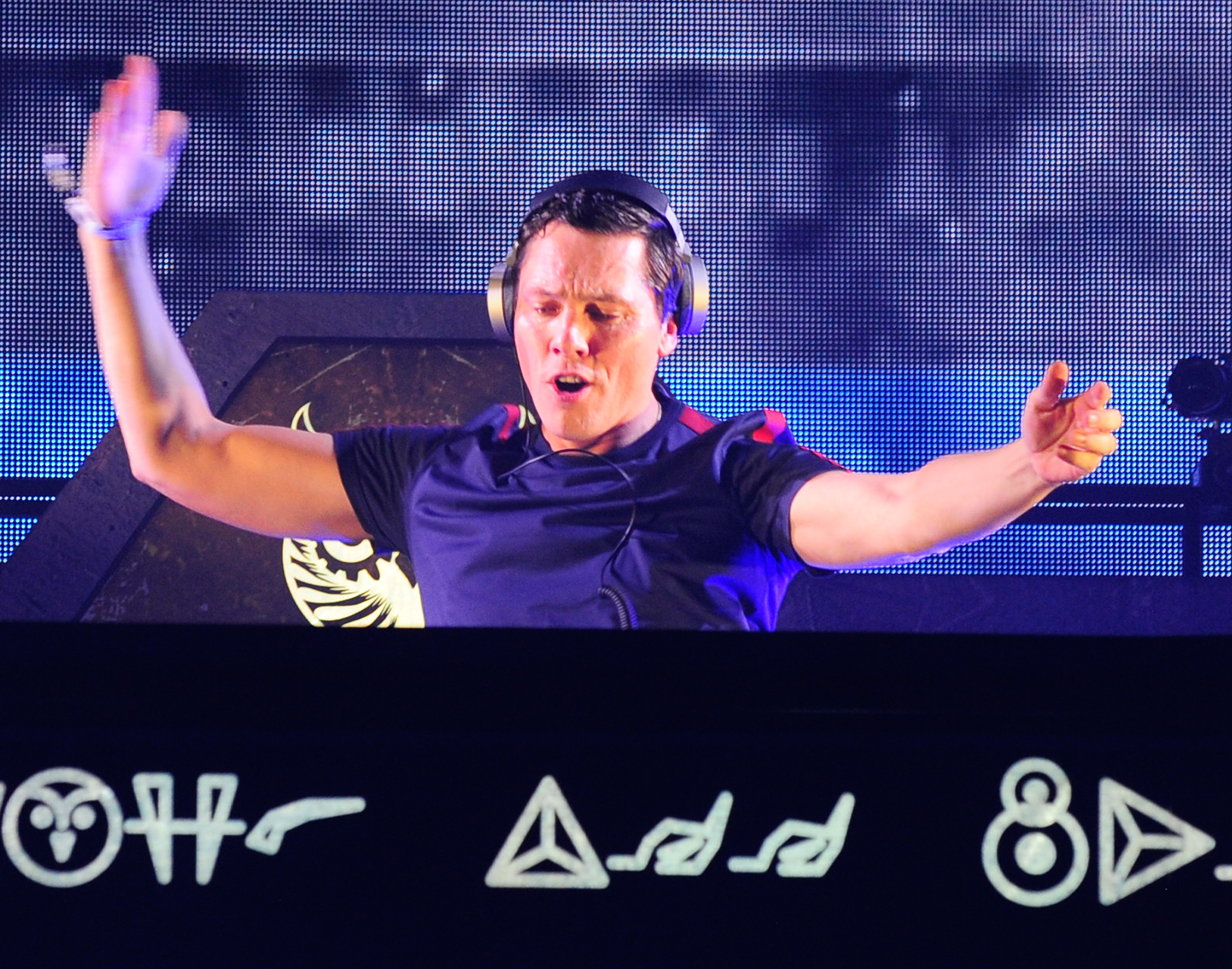 LAS VEGAS, NV - JUNE 19:  Dj/producer Tiesto performs during the 20th annual Electric Daisy Carnival at Las Vegas Motor Speed