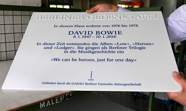 Auf der Platte steht, wann der Sänger in Berlin lebte und welche Alben er in der Stadt aufgenommen hat