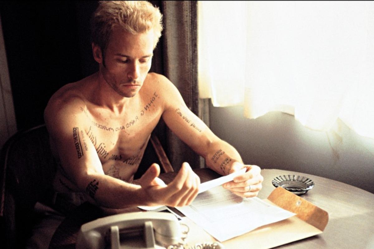 25. Memento (Christopher Nolan)