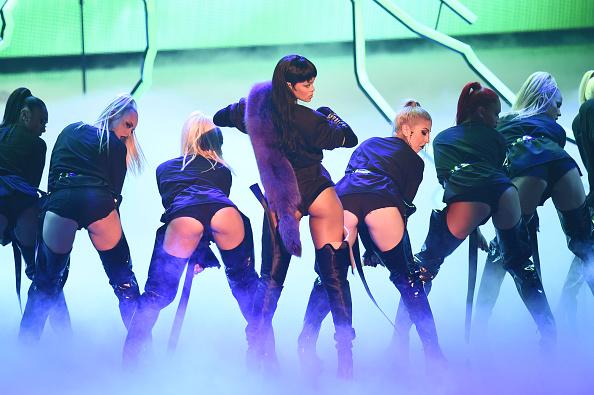 Rihanna VMA 2016