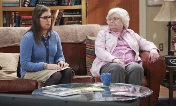 Amy Farrah Fowler macht keine guten Erfahrungen mit Sheldons Oma