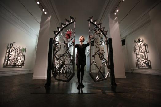 Dylans Eisentor wurde in einer Galerie in London ausgestellt