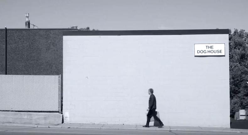 """Szene aus dem Video zu """"Comeback Kids"""", mit großem Feingefühl inszeniert von Chuck Statler"""