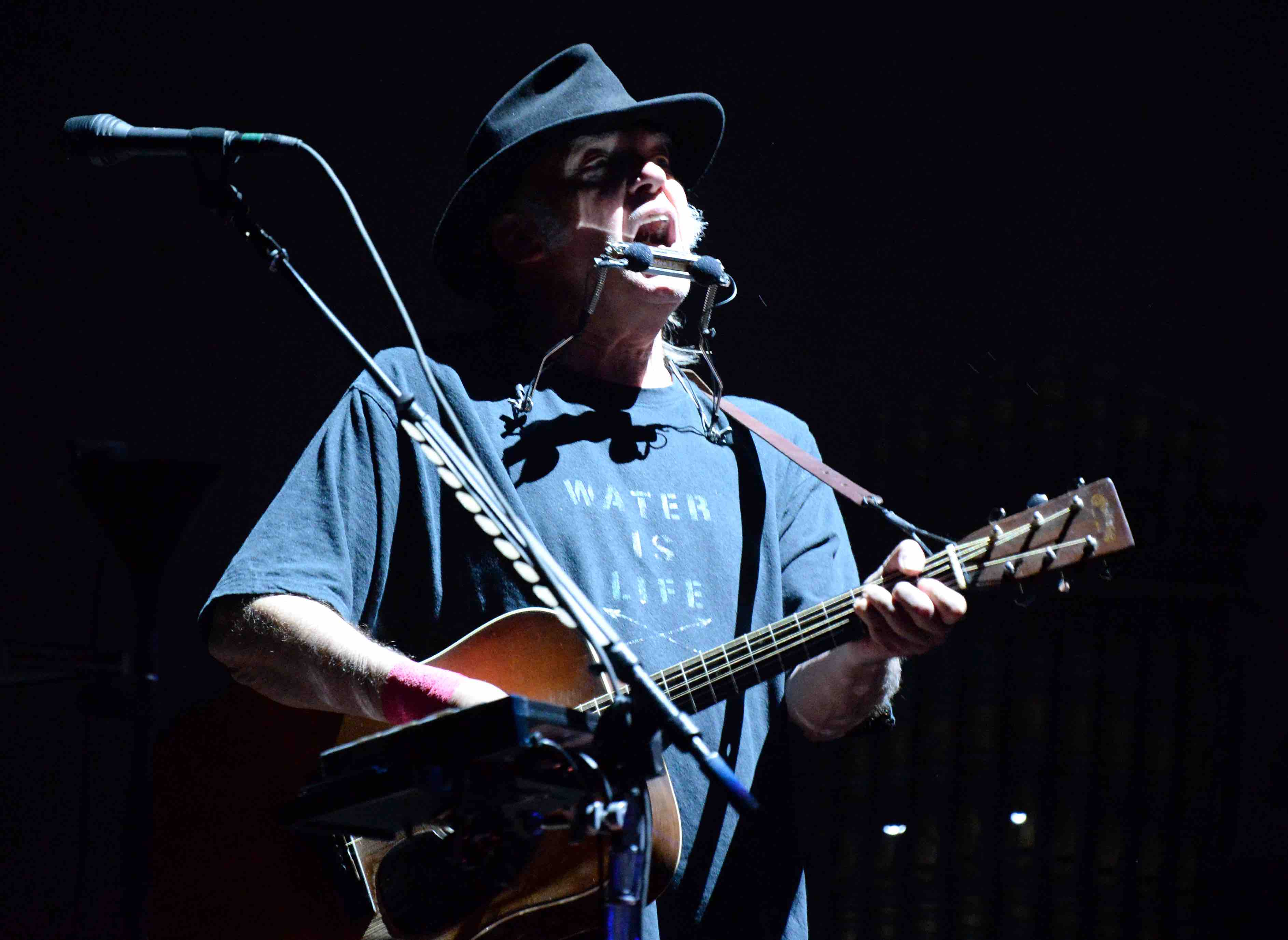 INDIO, CA - OCTOBER 08:  Musician Neil Young performs onstage during Desert Trip at The Empire Polo Club on October 8, 2016 i