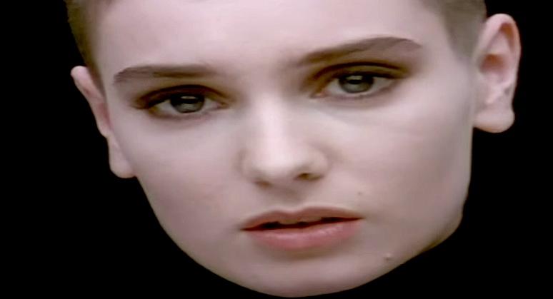 """Sinead O'Connor im legendären Videoclip zu """"Nothing Compares 2U""""."""