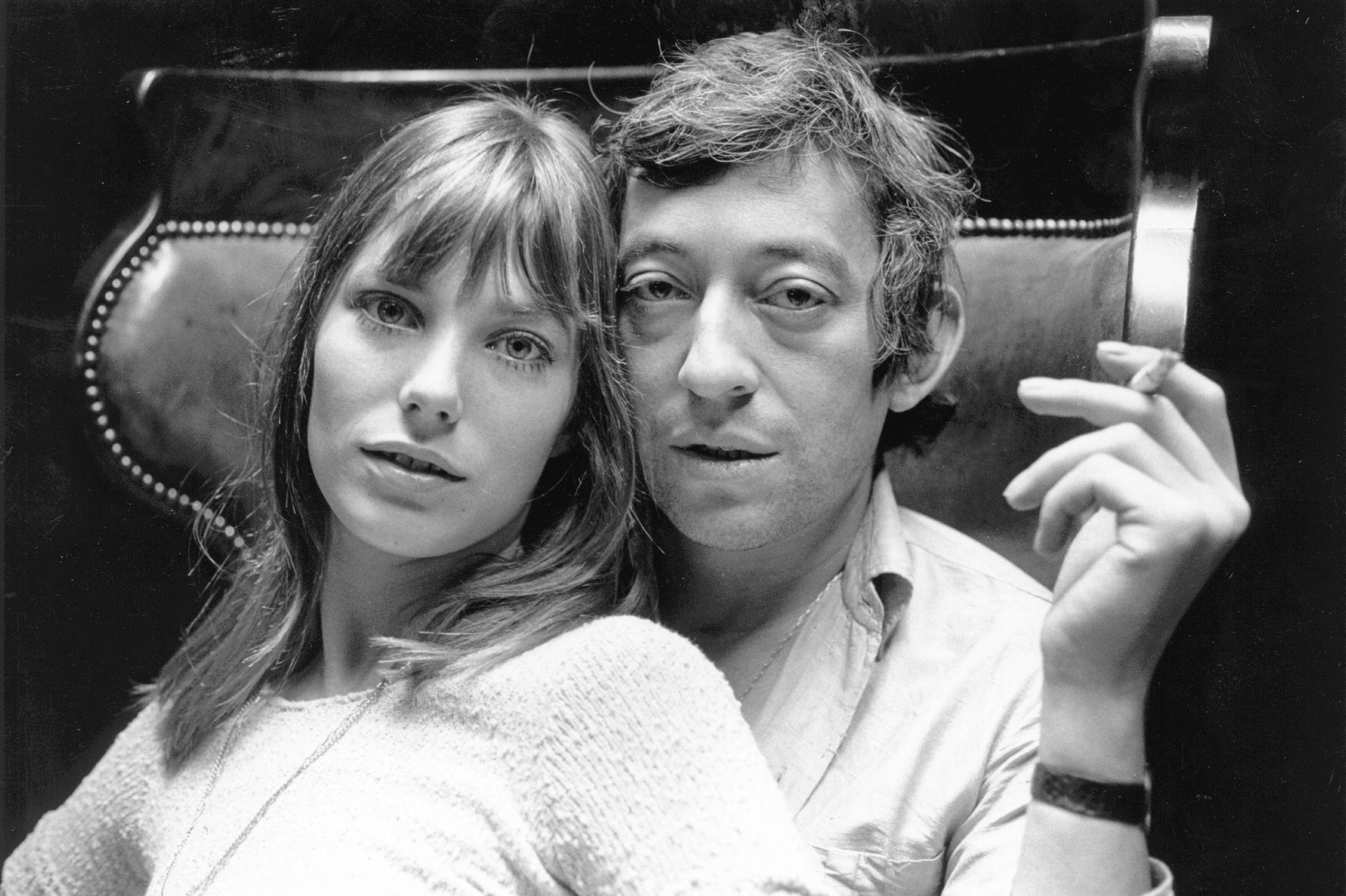 Jane Birkin und Serge Gainsbourg in ihrer Wohnung in Paris