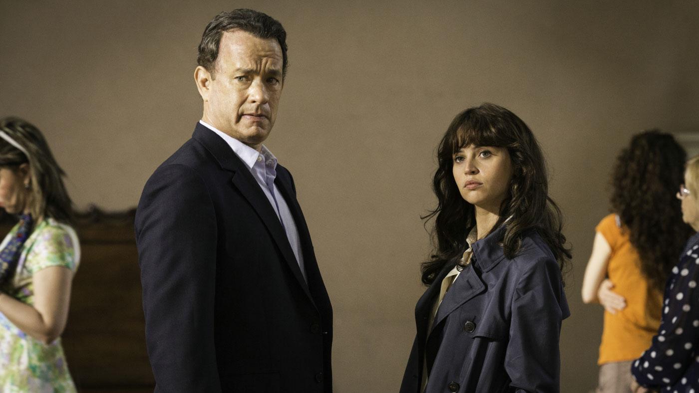 """Tom Hanks mit Felicity Jones in einer Szene aus """"Inferno"""""""