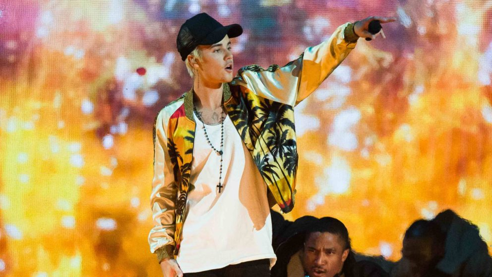 LONDON, ENGLAND - FEBRUARY 24:  Justin Bieber performs live on stage at the BRIT Awards 2016 at The O2 Arena on February 24,