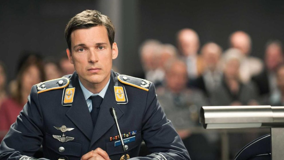"Florian David Fitz als angeklagter Pilot in ""Terror"""
