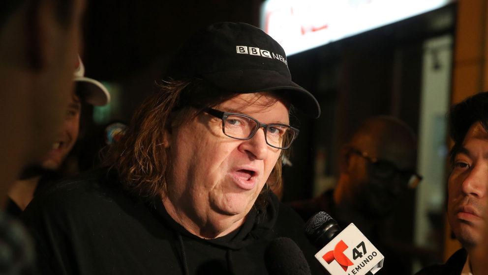 """Michael Moore bei der Premiere seines Films """"TrumpLand"""" in New York."""