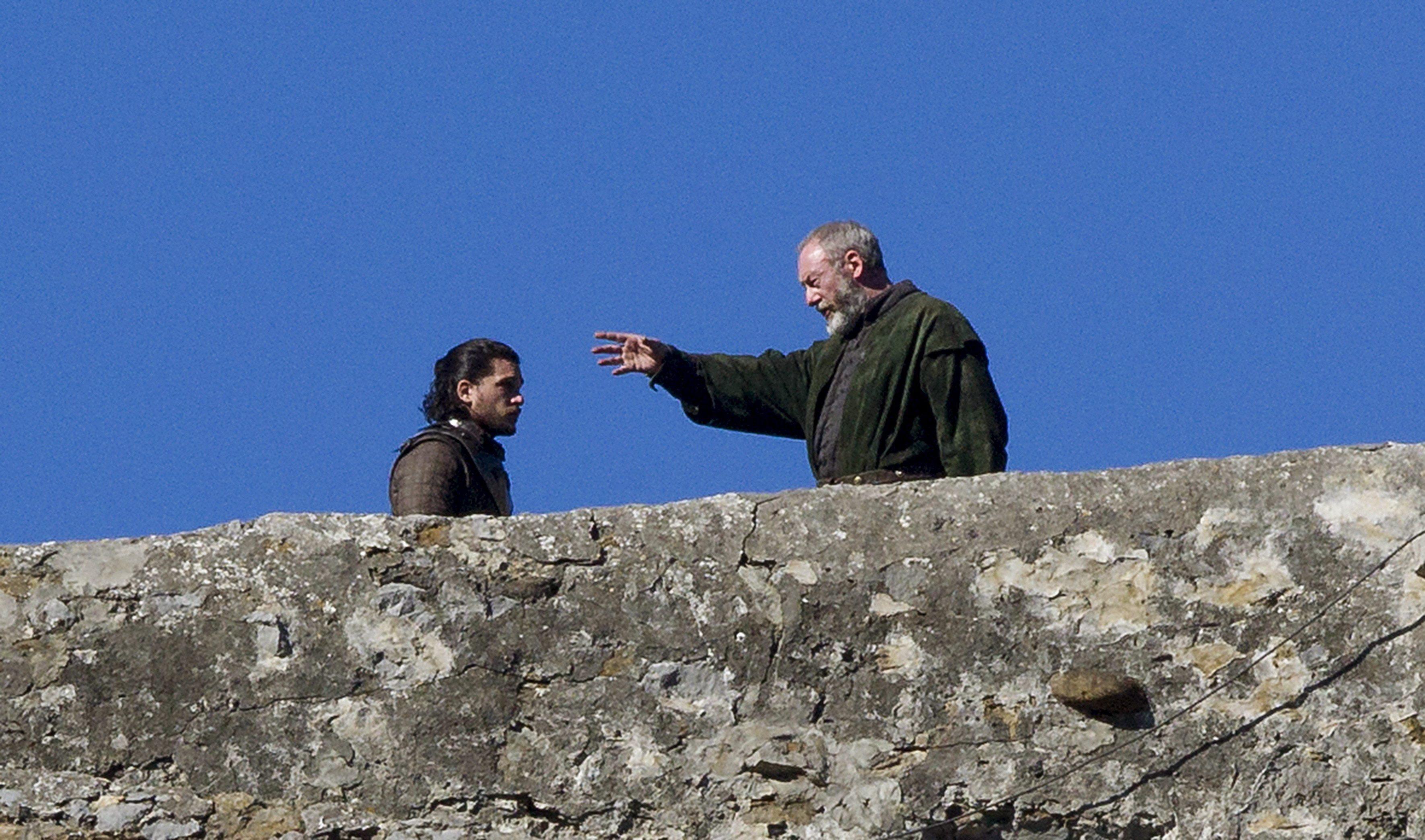 Jon Snow (Kit Harington) und Lord Davos (Liam Cunningham)