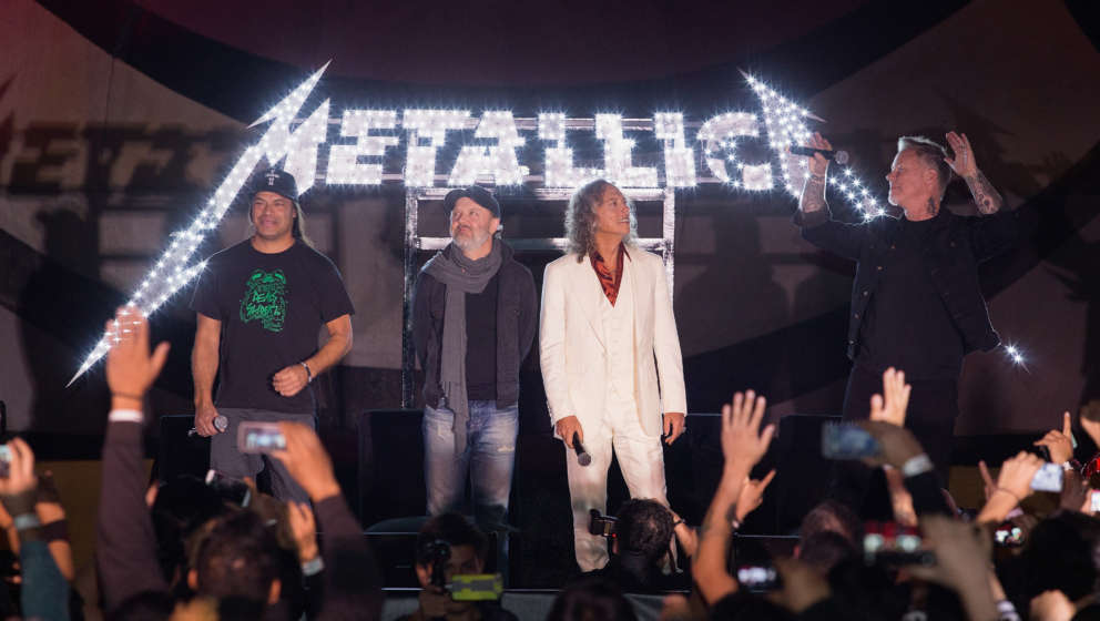 MEXICO CITY, MEXICO - OCTOBER 28:  (L-R) Musicians Robert Trujillo, Lars Ulrich, Kirk Hammett and James Hetfield of Metallica