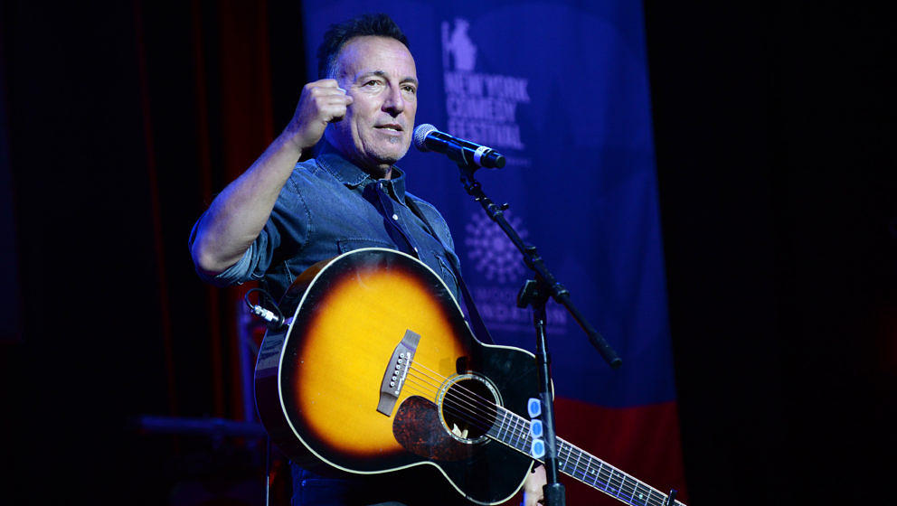 NEW YORK, NY - NOVEMBER 01:  Bruce Springsteen performs on stage as The New York Comedy Festival and The Bob Woodruff Foundat