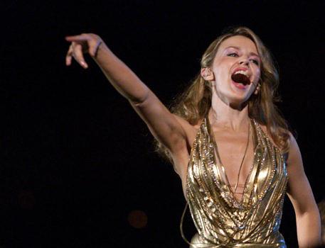 """Der Titel war Programm: Kylie Minogue landete 2001 mit """"Can't Get You Out Of My Head"""" einen Hit"""