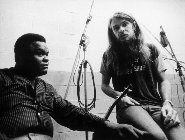 CHICAGO - NOVEMBER 21:  Blues singer and guitarist Freddie King and producer Leon Russell record 'Getting Ready' for Russell'