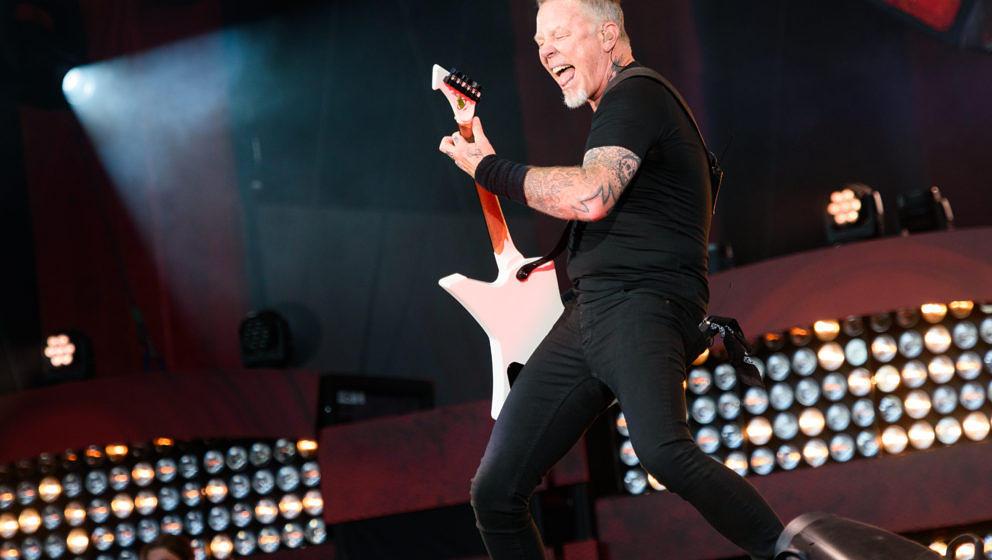 Metallica-Frontmann James Hetfield schaut sich in anderen Gebieten um und gibt nun den Erzähler in einer Porno-Dokumentation.