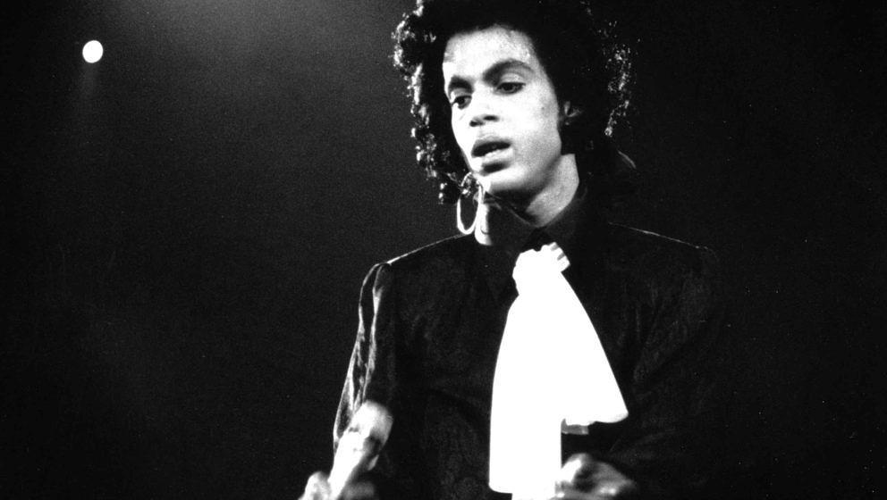 Prince bald bei Spotify und Co