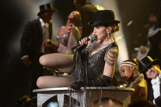 """Madonna wie gewohnt in vollem Körpereinsatz, hier während der """"Rebel Heart""""-Tour"""