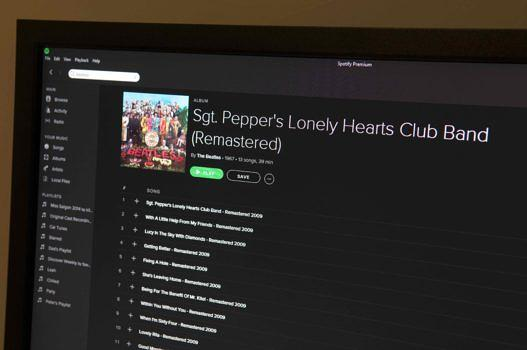 Die Desktop-Ansicht von Spotify. Weihnachtsgeschenk: Seit dem 24. Dezember 2015 kann man alle Alben der Beatles streamen