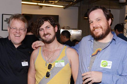 Brian Whitman (r.), Mitbegründer vom schlauen Algorithmus Echo Nest, mit Kollegen beim Konzert