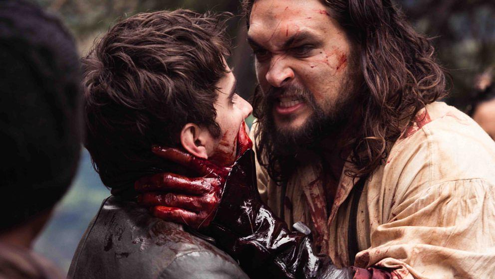Michael Smyth (Landon Liboiron) and Declan Harp (Jason Momoa) in Frontier, the six-episode, one-hour drama from NETFLIX serie