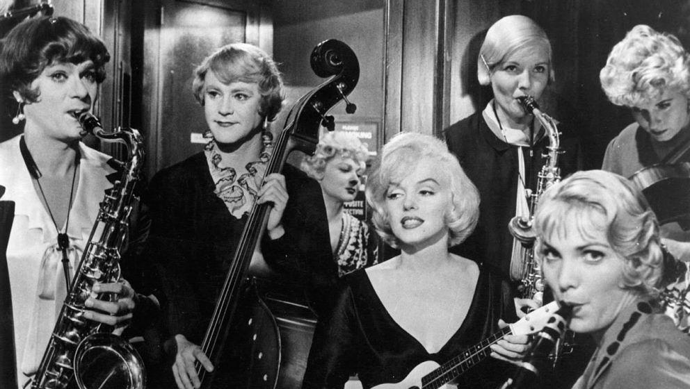 """Viele Cineasten halten """"Manche mögen's heiß"""" für die beste Komödie aller Zeiten; zweifellos ist die Travestie-Klamott"""