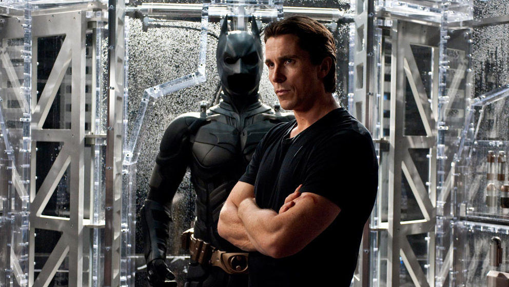 "Christian Bale in seiner wohl bekanntesten Rolle: Als Bruce Wayne/Batman in ""The Dark Knight Rises"""