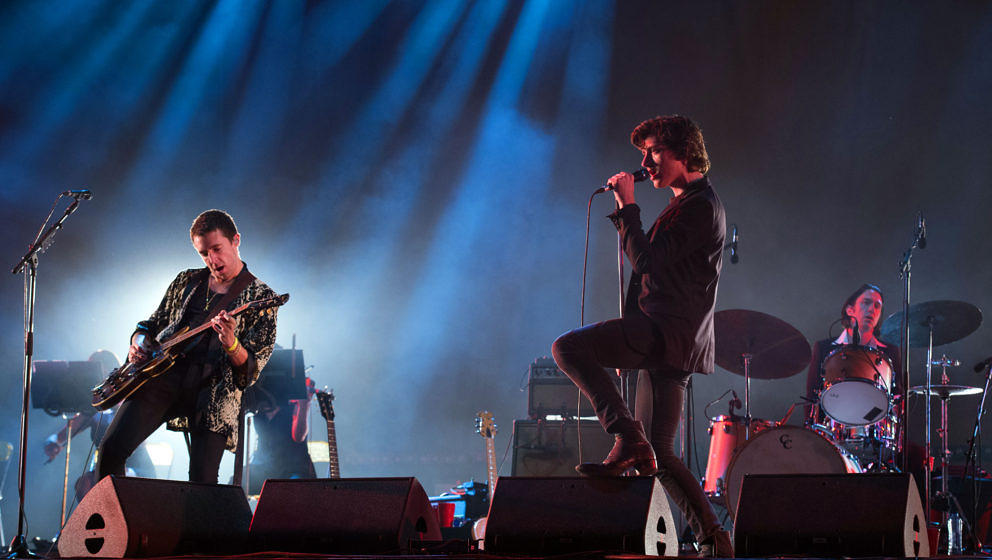 The Last Shadow Puppets bei einem Live-Konzert 2016
