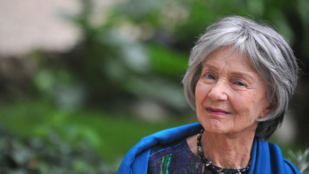 Emmanuelle Riva (* 24. Februar 1927 als Paulette Germaine Riva in Cheniménil, Vosges; † 27. Januar 2017 in Paris)