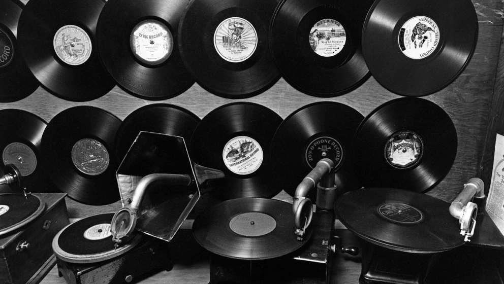 Auch in Deutschland stehen wieder mehr Schallplatten in den haushälten