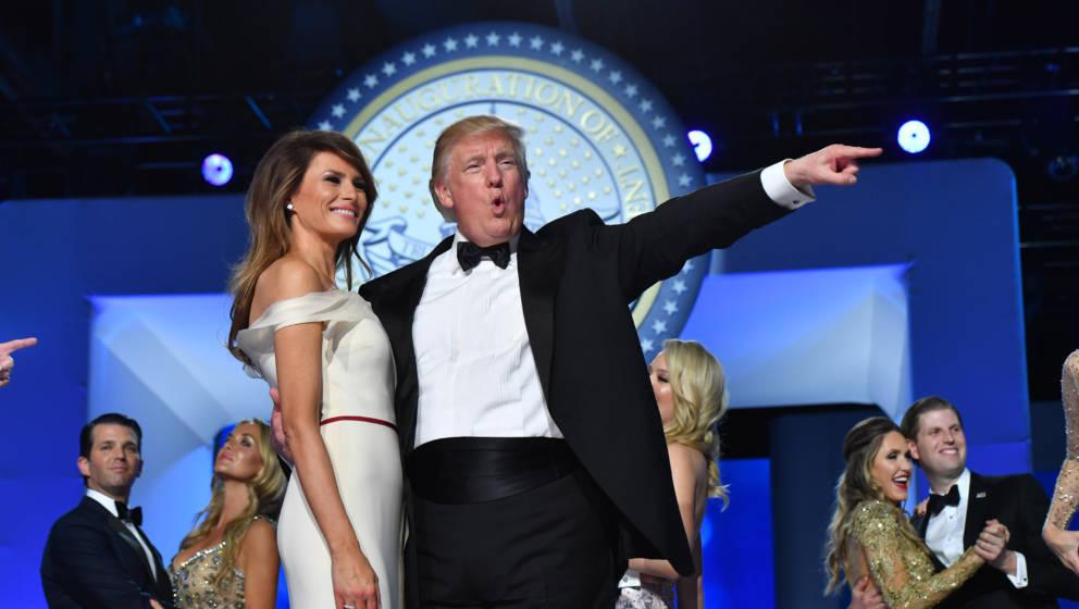 WASHINGTON, DC - JANUARY 20: President Donald Trump and First Lady Melania Trump dance at the Freedom Ball on January 20, 201