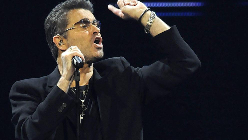 Fans des kürzlich verstorbenen George Michael fordern in einer Online-Petition eine Band in der Nähe seines Hauses im Londoner Park Hampstead Heath.