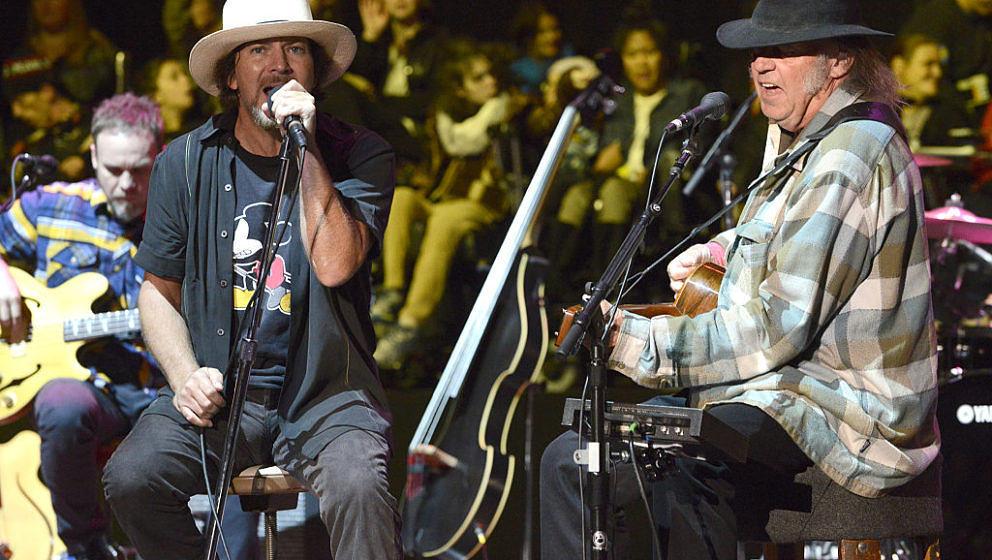 Am Wochenende wurde bekannt, dass der Rockmusiker Neil Young Pearl Jam in die Rock 'n' Roll Hall of Fame einführen wird.