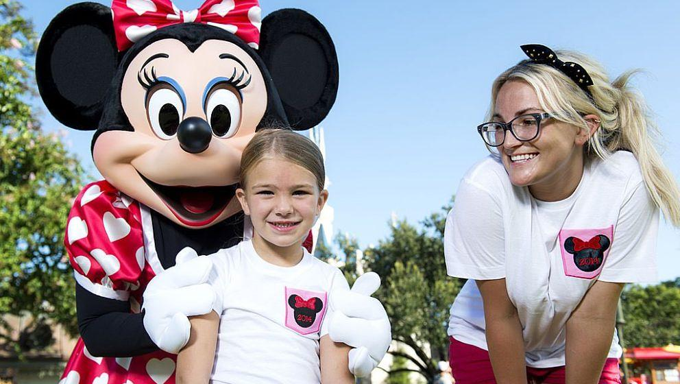 (AUGUST 14, 2014):  Actress and country music artist Jamie Lynn Spears poses Aug. 14, 2014 with her six-year-old daughter Mad