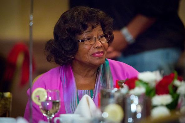 Katherine Jackson wurde laut eigener Aussage jahrelang von ihrem Neffen Trent Lamar Jackson manipuliert und missbraucht. Sie hat sogar Klage eingereicht.