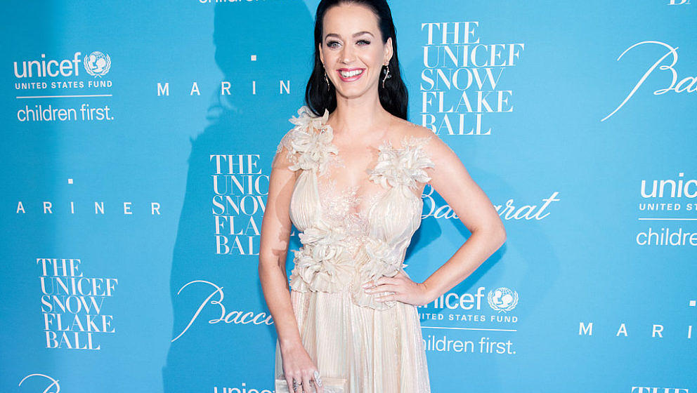 NEW YORK, NY - NOVEMBER 29:  Singer Katy Perry attends the 12th Annual UNICEF Snowflake Ball at Cipriani Wall Street on Novem