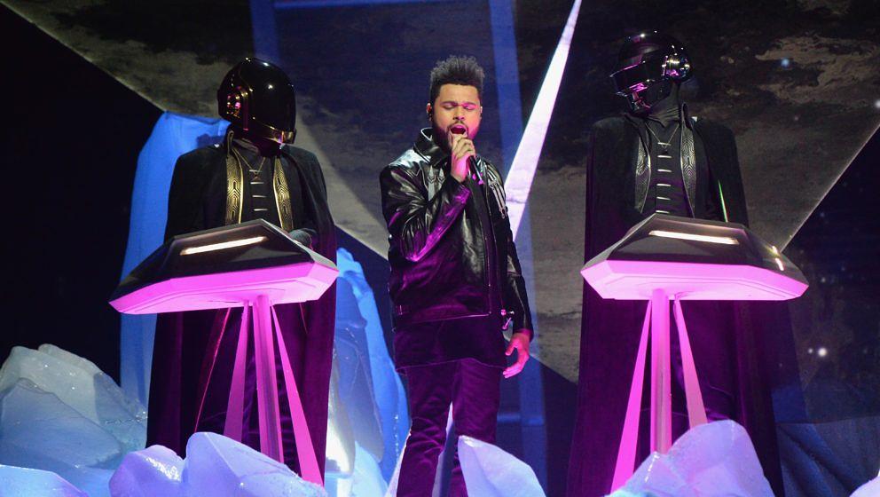 Daft Punk bei ihrem Auftritt mit The Weeknd bei den Grammys 2017