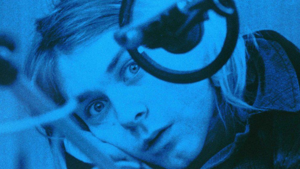 NETHERLANDS - NOVEMBER 25:  HILVERSUM  Photo of NIRVANA, Kurt Cobain, posed, looking to camera, recording in Hilversum Studio