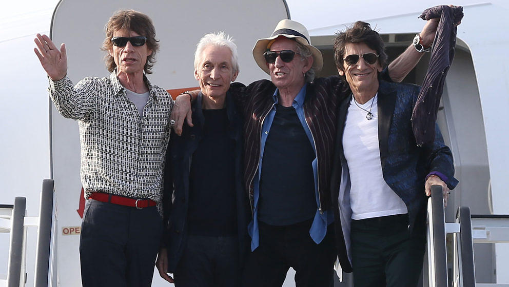 HAVANA, CUBA - MARCH 24:  Mick Jagger, Charlie Watts, Keith Richards and Ronnie Wood of the Rolling Stones wave as they exit