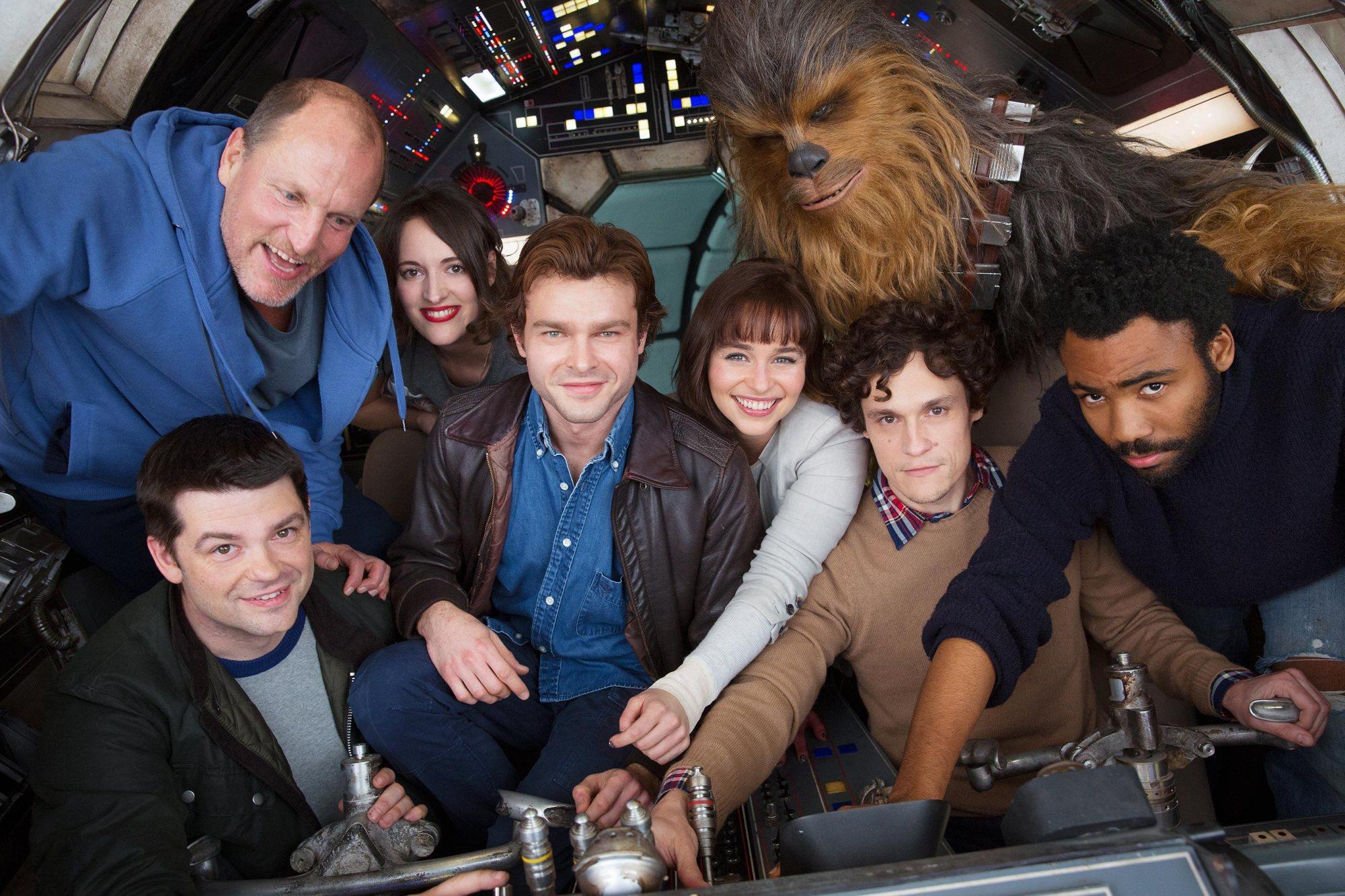 """In den Pinewood Studios in London wird gerade das noch namenlose """"Star-Wars""""-Spin-Off zu Han Solo gedreht. Nun gibt es ein erstes Foto von den Dreharbeiten."""