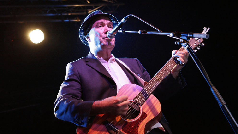 Fischer-Z-Sänger John Watts bei einem Konzert in Berlin