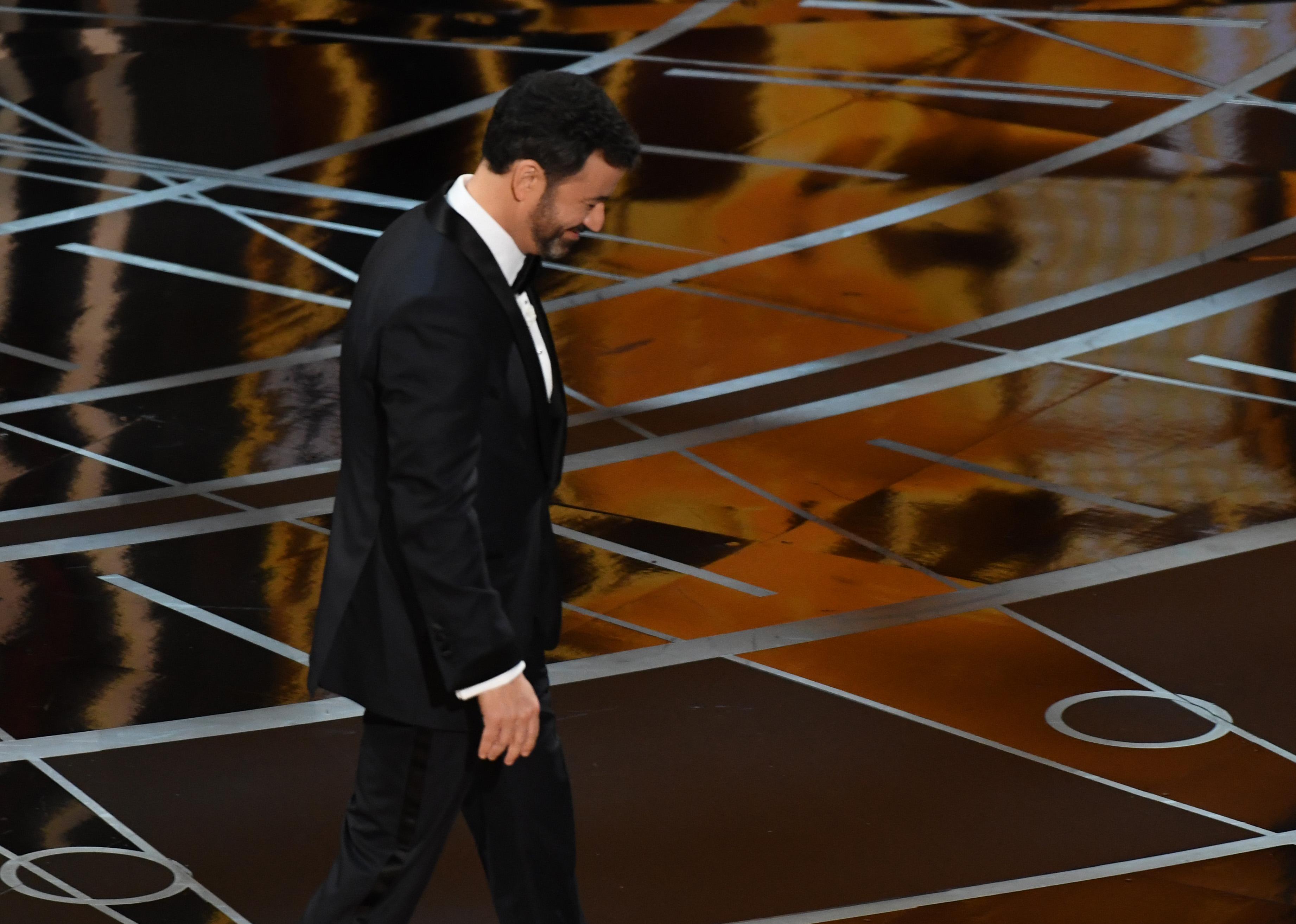 Jimmy Kimmel verlässt beschämt die Bühne