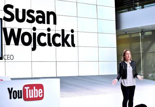 YouTube hat nun offiziell seine TV-Pläne vorgestellt und wird bald zum Kabel-Anbieter. Dabei sind beinahe alle großen US-amerikanischen Sender sowie viele kleine Stationen.