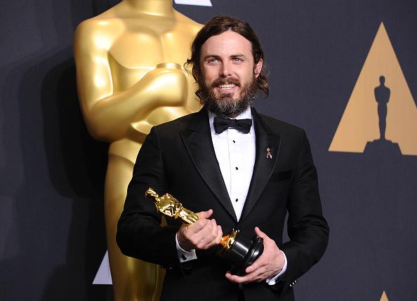 Der diesjährige Oscar-Gewinn von Casey Affleck hat Kritiker auf den Plan gerufen. Der Grund: Er soll vor Jahren Frauen belästigt haben. Nun hat sich der Schauspieler in einem Interview zu den Vorwürfen geäußert.